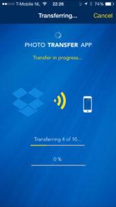 Photo Transfer App downloadt foto's vanuit Dropbox