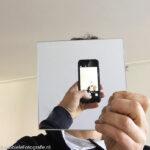 Selfie met een spiegel, in de Mobiele Fotografie