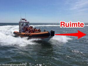 Demonstratie van de regel van ruimte. Ruimte voor de boot maakt het beeld dynamischer en geeft de boot meer aandacht.