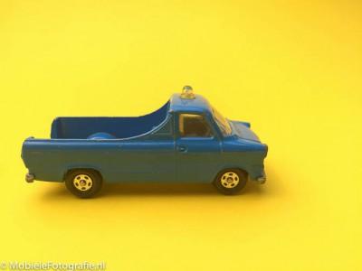 Uitleg van de regel van ruimte in de fotografie: ruimte voor het speelgoedautootje.