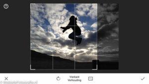 Snij de foto bij (zoals hier in Snapseed) om de regel van ruimte toe te passen [iPhone 4s]