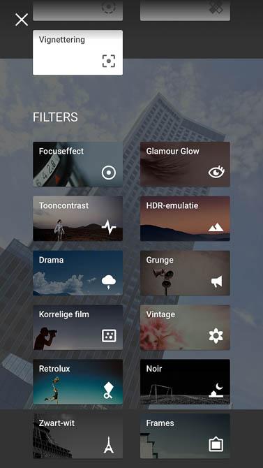 De twaalf knoppen met filters van Snapseed.
