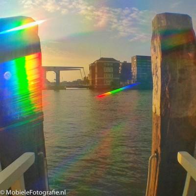 Nieuwe Maas in Rotterdam bij zonsopgang - door de Trippy Clip lens [Samsung Galaxy Trend]