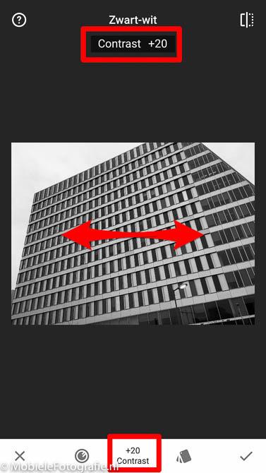 Schuif in Snapseed naar rechts of links om de hoogte van aanpassingen te verhogen of te verlagen.