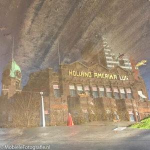 Omgedraaide EN gespiegelde foto van een spiegeling van Hotel New York in Rotterdam. [Microsoft Lumia 640 LTE]