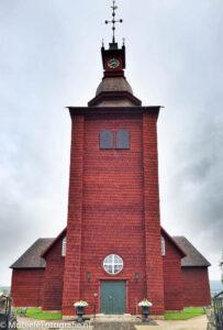 HDR foto van houten kerk tegen een lichte lucht. [iPhone 6 met HDR Pro app]