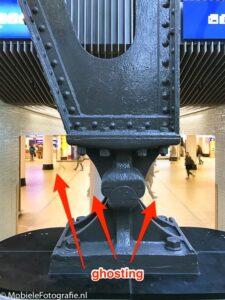 Foto Centraal Station Amsterdam. Afwijkingen (ghosting) in HDR-foto door het samenvoegen van verschillende afbeeldingen. Een van de grootste nadelen van HDR fotografie. [iPhone 7]