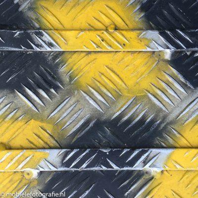 Textuur kan ook worden gemaakt zoals hier bij deze foto een aluminium treeplank [iPhone6]