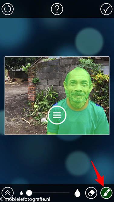 Gebruik de penseel om meer groen (scherpte) toe te voegen in de fabfocus app (c) mobielefotografie